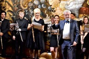 Sir James and Lady Jeanne Galway with the flutes Ensemble