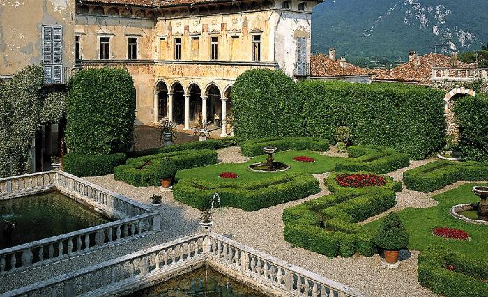 Villa Cicogna Mozzoni in Bisucchio, Varese